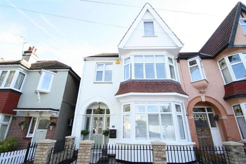 5 Bedrooms End Of Terrace House for sale in Victoria Drive, Leigh-On-Sea