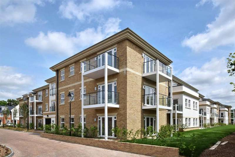 3 Bedrooms Flat for sale in Park Avenue, The Avenue, TW16