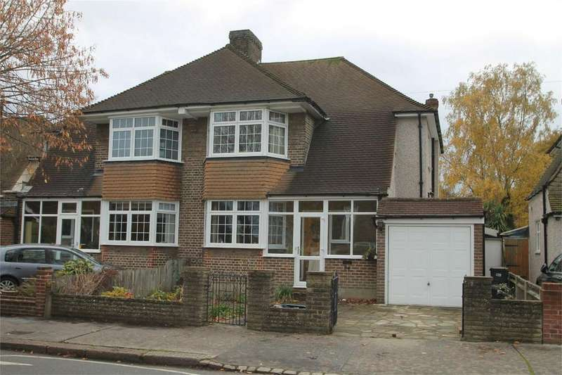 3 Bedrooms Semi Detached House for sale in Lime Tree Grove, Shirley, Croydon, Surrey