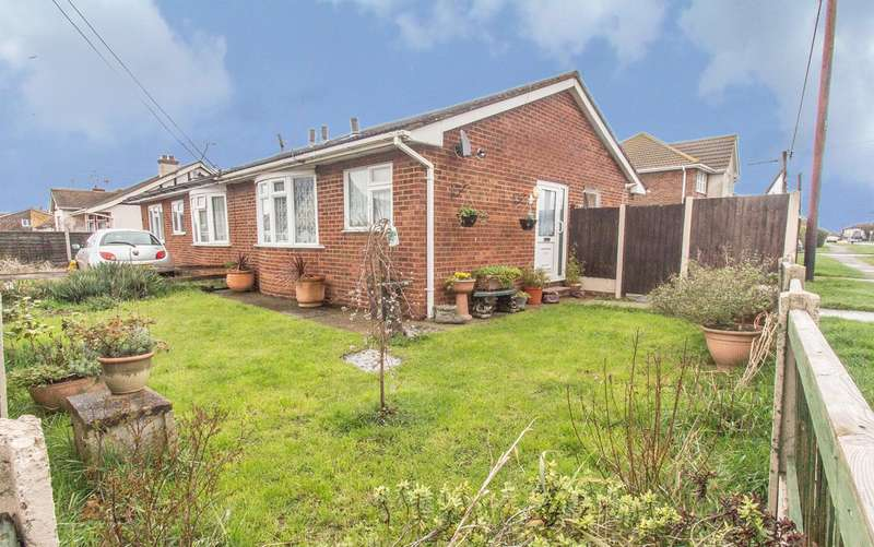 1 Bedroom Semi Detached Bungalow for sale in Point Road, Canvey Island, SS8