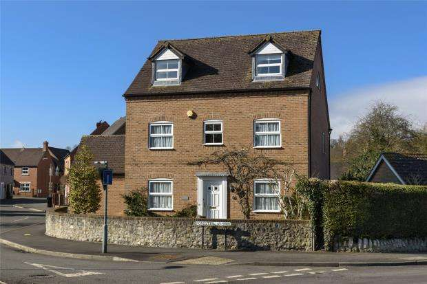 5 Bedrooms Detached House for sale in Barrow House, Hunters Gate, Much Wenlock, Shropshire