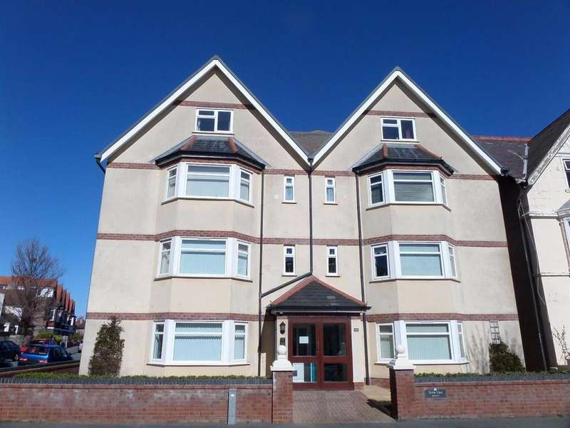 2 Bedrooms Apartment Flat for sale in Great Ormes Road, West Shore, Llandudno