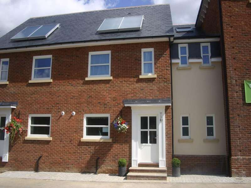 2 Bedrooms Terraced House for sale in Sandford Court ECO Home, Sandford Road, CHELMSFORD, Essex