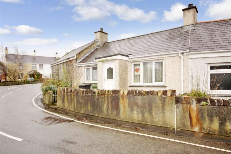 2 Bedrooms Semi Detached House for sale in Tai Newydd, Llanddaniel