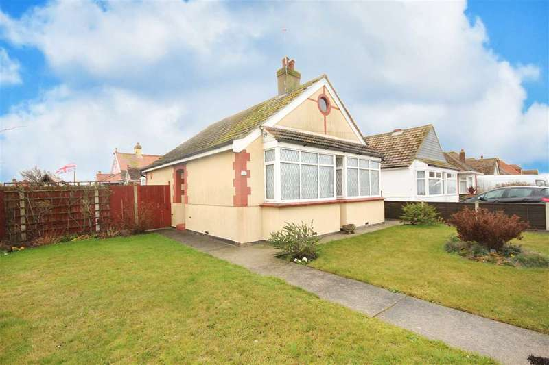 2 Bedrooms Bungalow for sale in Lyndhurst Road, Holland-On-Sea
