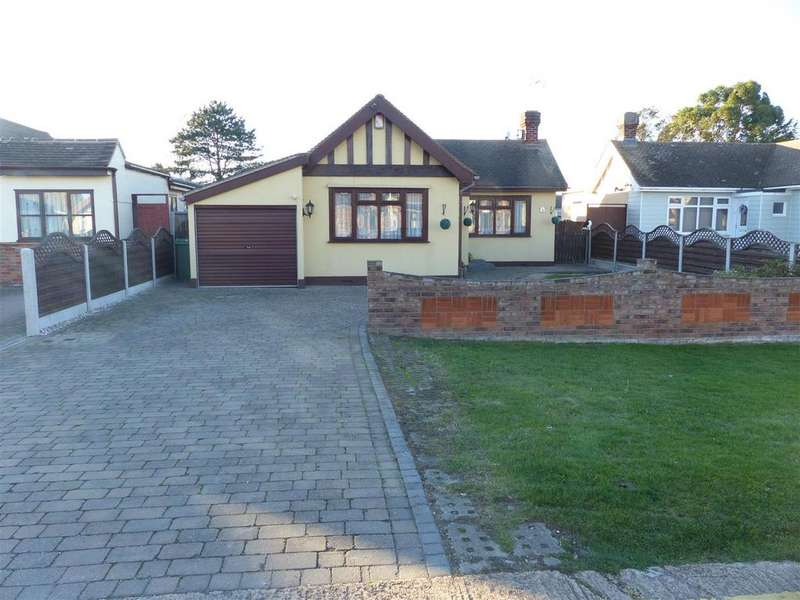 3 Bedrooms Detached Bungalow for sale in Beachway, Canvey Island