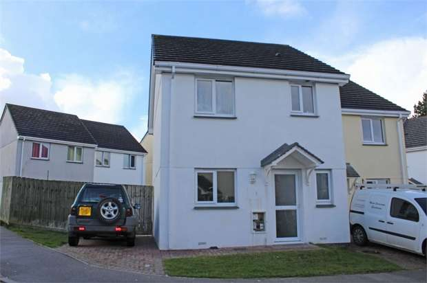 3 Bedrooms Semi Detached House for sale in Stevens Court, Bugle, St Austell, Cornwall