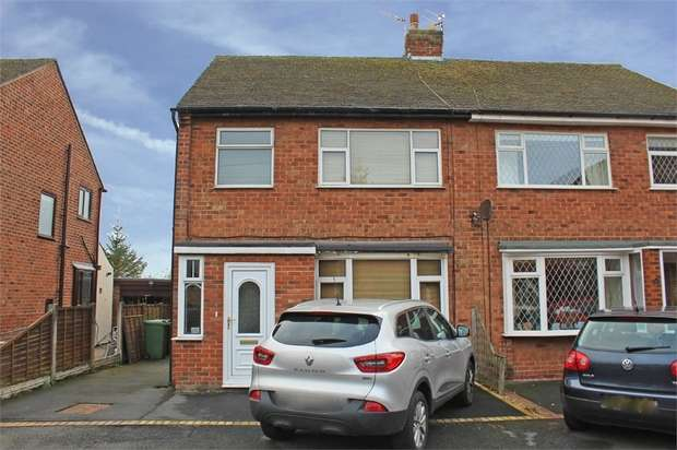 3 Bedrooms Semi Detached House for sale in Raybourne Avenue, Poulton-le-Fylde, Lancashire
