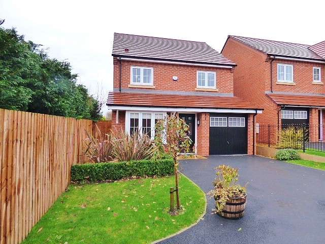 4 Bedrooms Detached House for sale in Partisan Green, Warrington