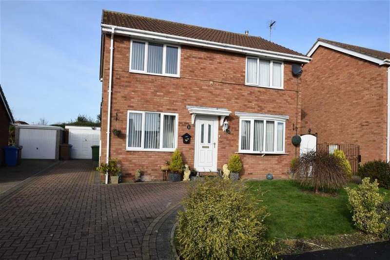 4 Bedrooms Detached House for sale in Headlands Drive, Bridlington, East Yorkshire, YO16