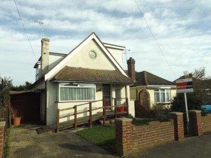 4 Bedrooms Bungalow for sale in Jaywick, Clacton-On-Sea, Essex