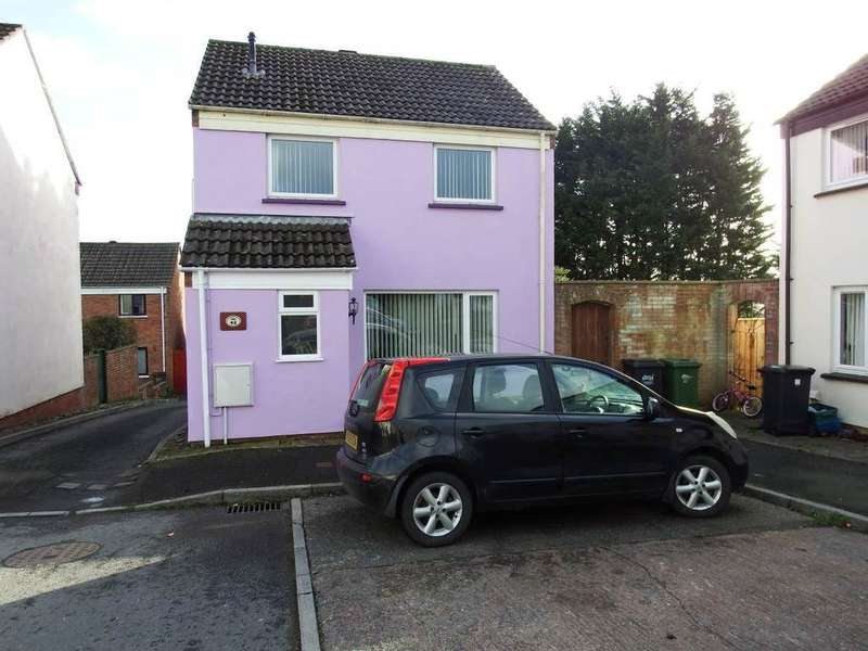 3 Bedrooms Detached House for sale in Whiddon Valley, Barnstaple