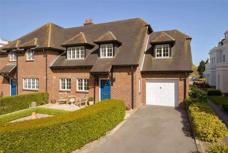 3 Bedrooms Semi Detached House for sale in Stable Courtyard, Tortington Manor, Ford Road, Arundel, BN18