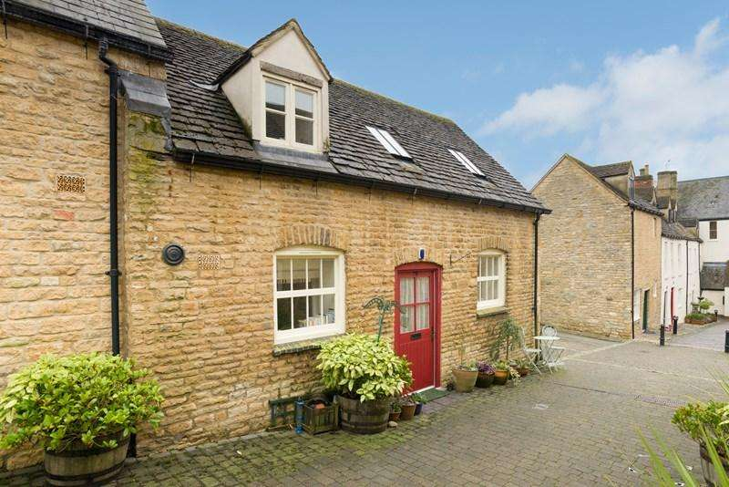 2 Bedrooms Cottage House for sale in High Street, Chipping Norton