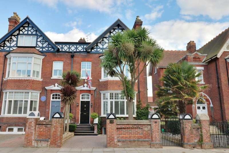 6 Bedrooms Semi Detached House for sale in Helena Road, Southsea