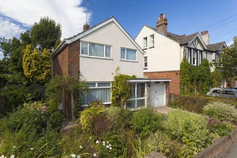 3 Bedrooms Detached House for sale in Station Road, Lyminge, CT18