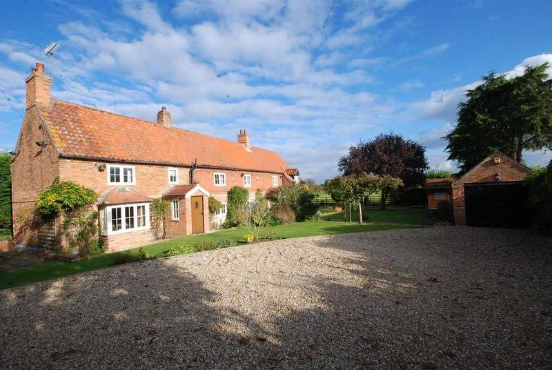 5 Bedrooms Cottage House for sale in Post Office Lane, South Scarle, Newark
