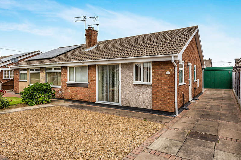 2 Bedrooms Semi Detached Bungalow for sale in Woodfield Road, Armthorpe, Doncaster, DN3