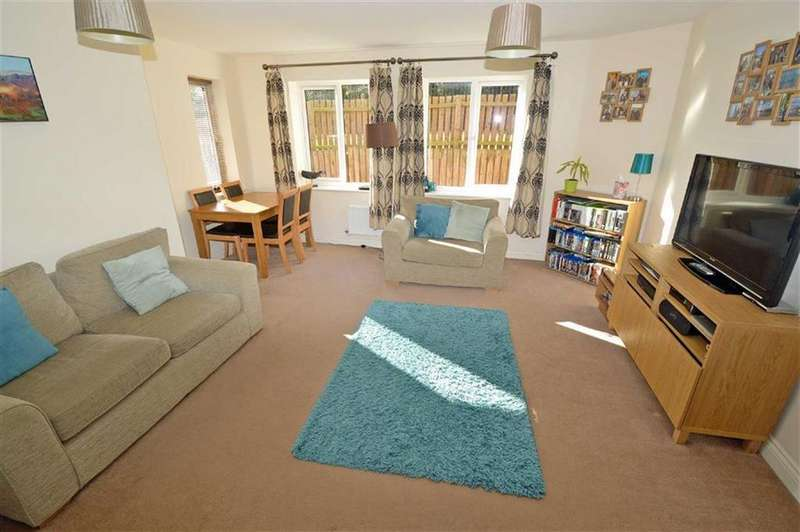 2 Bedrooms Apartment Flat for sale in 21 Austwick Close, Beaumont Leys