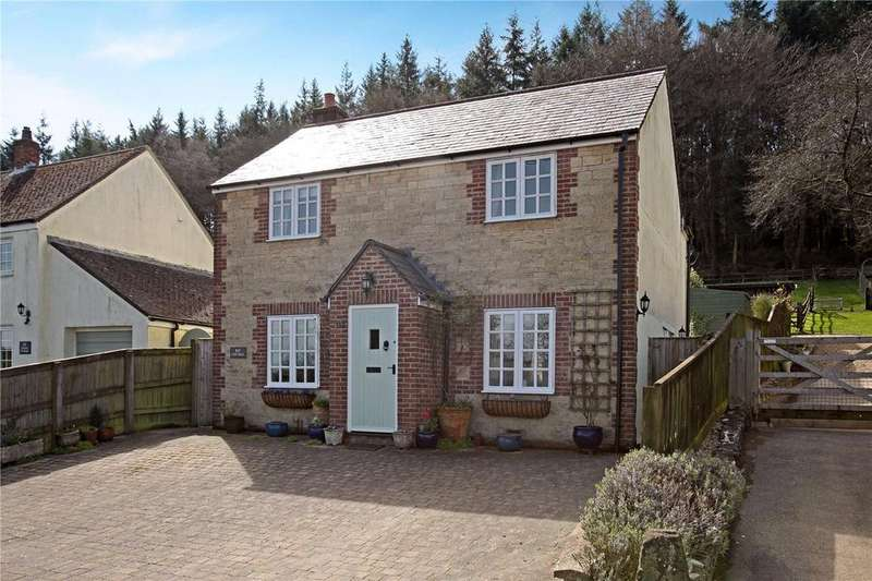 3 Bedrooms Detached House for sale in Clay Street, Crockerton, Warminster, Wiltshire