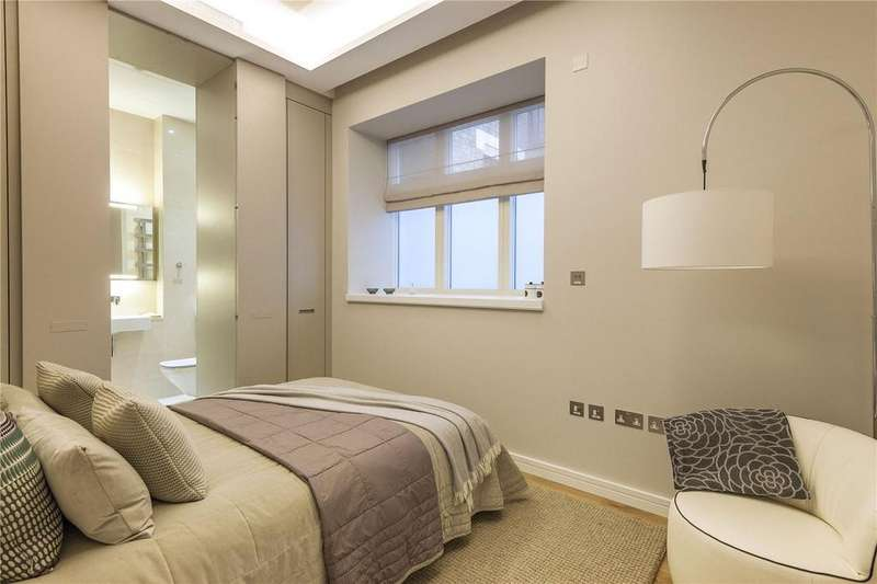 3 Bedrooms Apartment Flat for sale in Great Newport Street, Covent Garden, WC2H