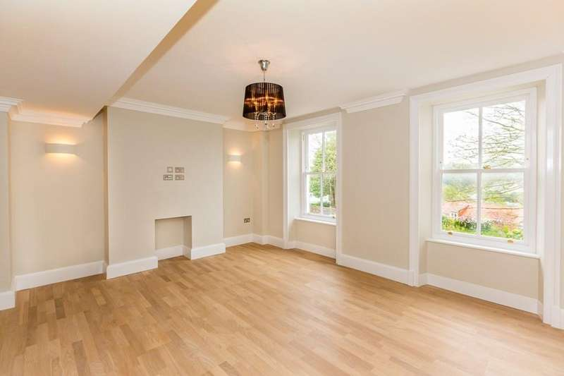 2 Bedrooms Apartment Flat for sale in Mount Durand, St. Peter Port, Guernsey