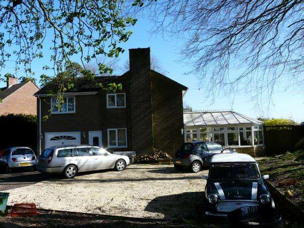 6 Bedrooms Detached House for sale in Priory Road, Hungerford, RG17