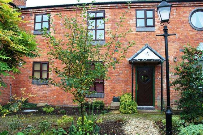 Studio Flat for sale in 14 Audley House Mews, Newport, Shropshire, TF10 7BP
