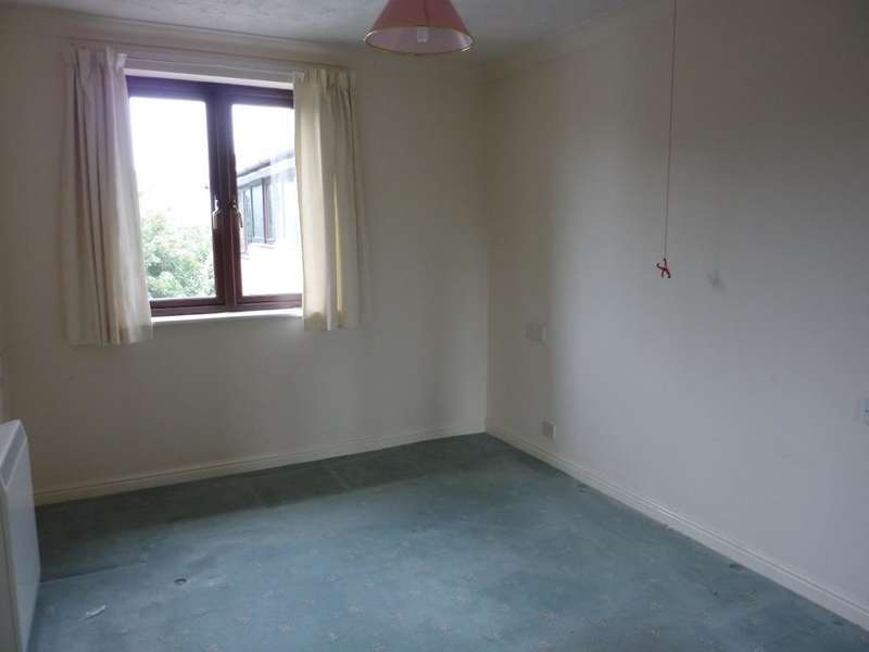 1 Bedroom Flat for sale in Cwrt Bryn Coed, Coed Pella Road, Colwyn Bay, Conwy, LL29 7BJ