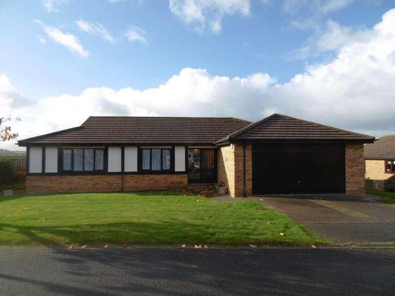 3 Bedrooms Detached Bungalow for sale in 27 Parc Derwen, Llansanffraid Glan Conwy, LL28 5BZ