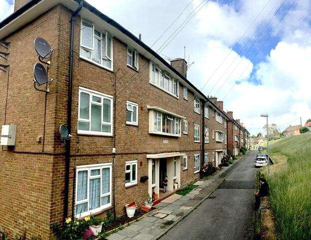 2 Bedrooms Ground Flat for sale in Birchgrove Crescent, Patcham, Brighton, East Sussex