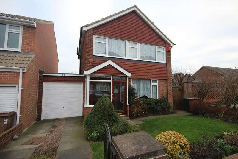 3 Bedrooms Detached House for sale in Highcross Road, Cullercoats, North Shields, NE30
