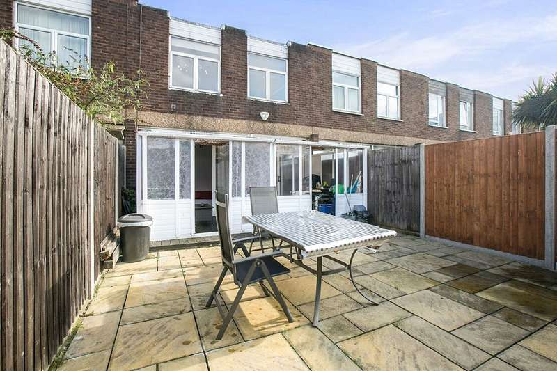 3 Bedrooms Property for sale in Manor Grove, Peckham, London, SE15
