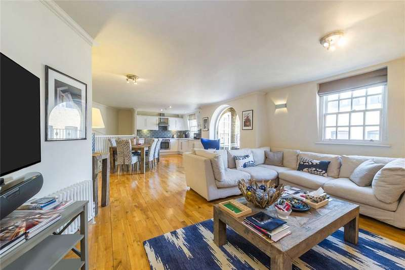 2 Bedrooms Flat for sale in Shorts Gardens, Covent Garden, London
