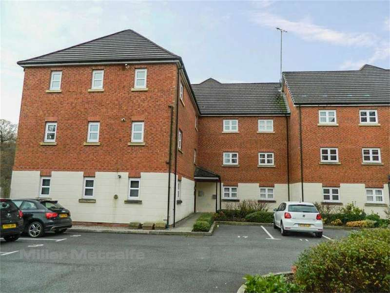 2 Bedrooms Flat for sale in Hartford Drive, Brandlesholme, Bury, Lancashire