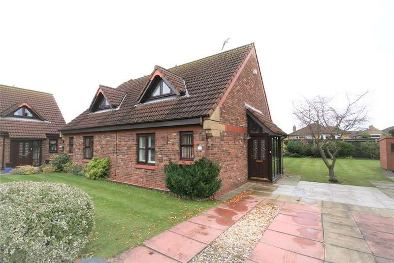 1 Bedroom Semi Detached Bungalow for sale in Meadow View, Cleethorpes, DN35