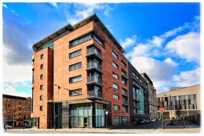 2 Bedrooms Flat for sale in High Street, Merchant City, Glasgow