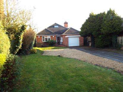 3 Bedrooms Bungalow for sale in Swanmore, Southampton, Hampshire