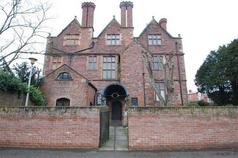 2 Bedrooms Apartment Flat for sale in Whitehall Mansions, Monkmoor Road, Shrewsbury