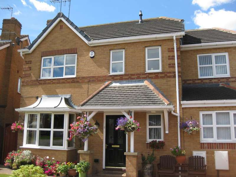 4 Bedrooms Detached House for sale in Corinthian Way, Victoria Dock, Hull, HU9 1UF