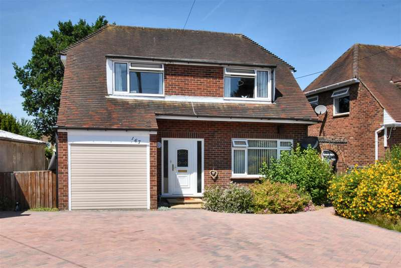 3 Bedrooms Detached House for sale in Branksome Hill Road, College Town, Sandhurst, GU47 0QQ