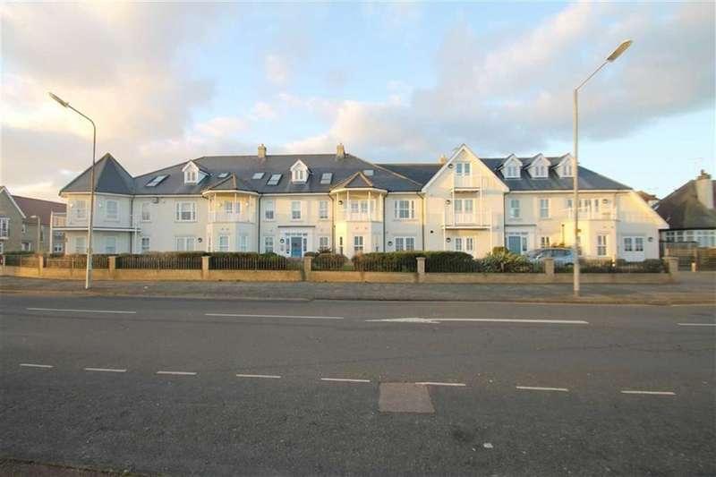 2 Bedrooms Flat for sale in Crossley View, East Clacton