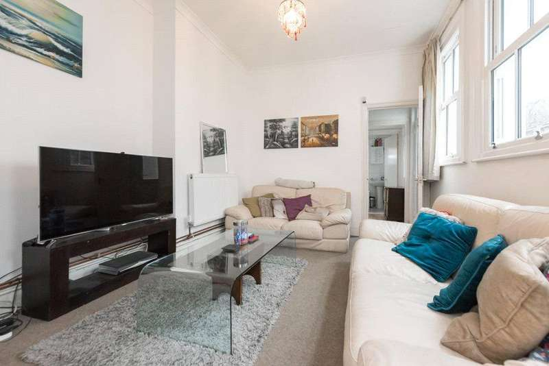 2 Bedrooms Flat for sale in Strode Road, London, NW10