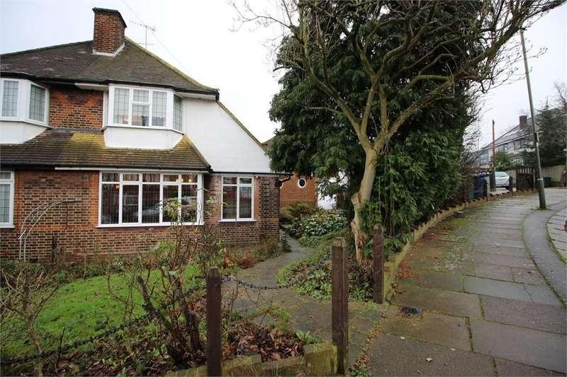2 Bedrooms Semi Detached House for sale in Newark Way, HENDON