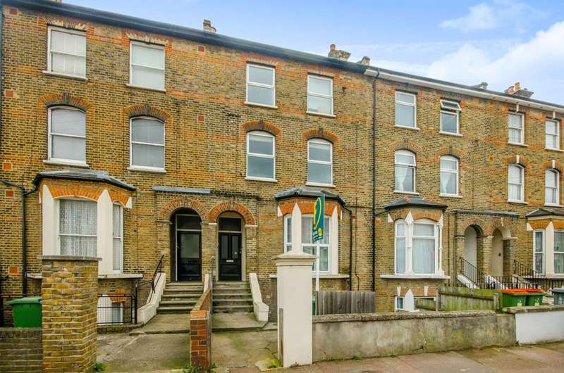 3 Bedrooms Flat for sale in Atherton Road, Forest Gate, E7