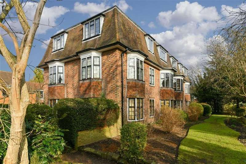 2 Bedrooms Flat for sale in Church Close, Epsom, Surrey