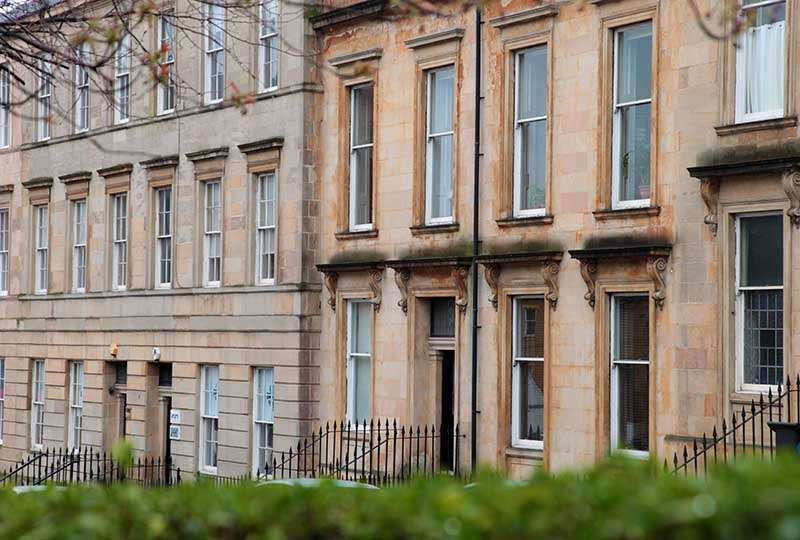 3 Bedrooms Flat for rent in Lynedoch Street, Park, Glasgow
