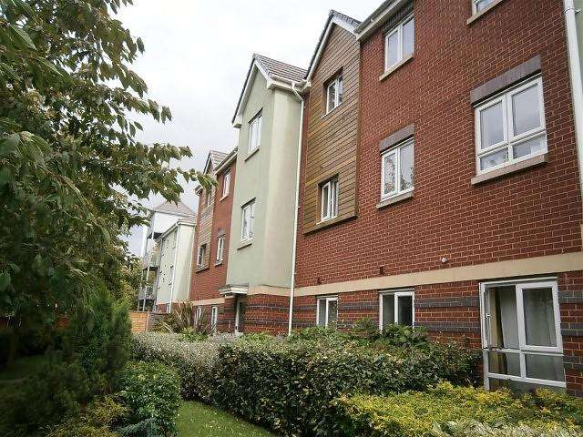 2 Bedrooms Flat for sale in East Park Way, WV1