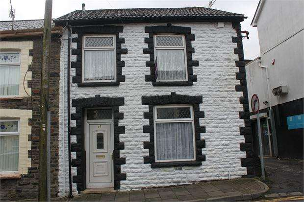 3 Bedrooms End Of Terrace House for sale in Glannant Street, Penygraig, Tonpandy, Mid Glamorgan. CF40 1JT