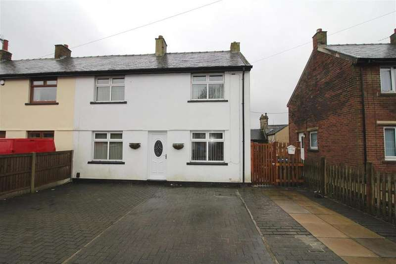 3 Bedrooms Semi Detached House for sale in Minorca Mount, Denholme, Bradford, BD13 4AY